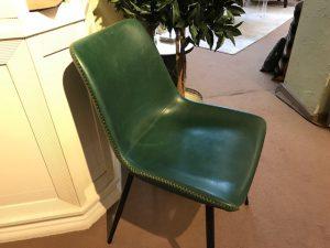 Esstischstuhl in sattem grün seitennaht dekorativ